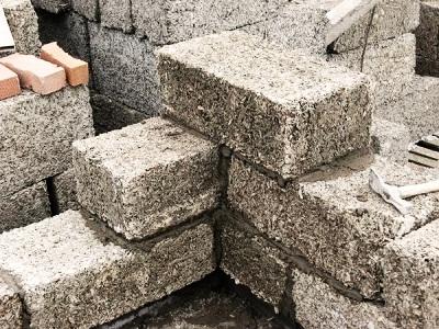 Использование опилок в строительных целях